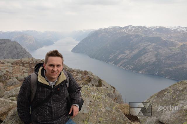 Nocleg na Preikestolen. Widoki na Lysefjord.