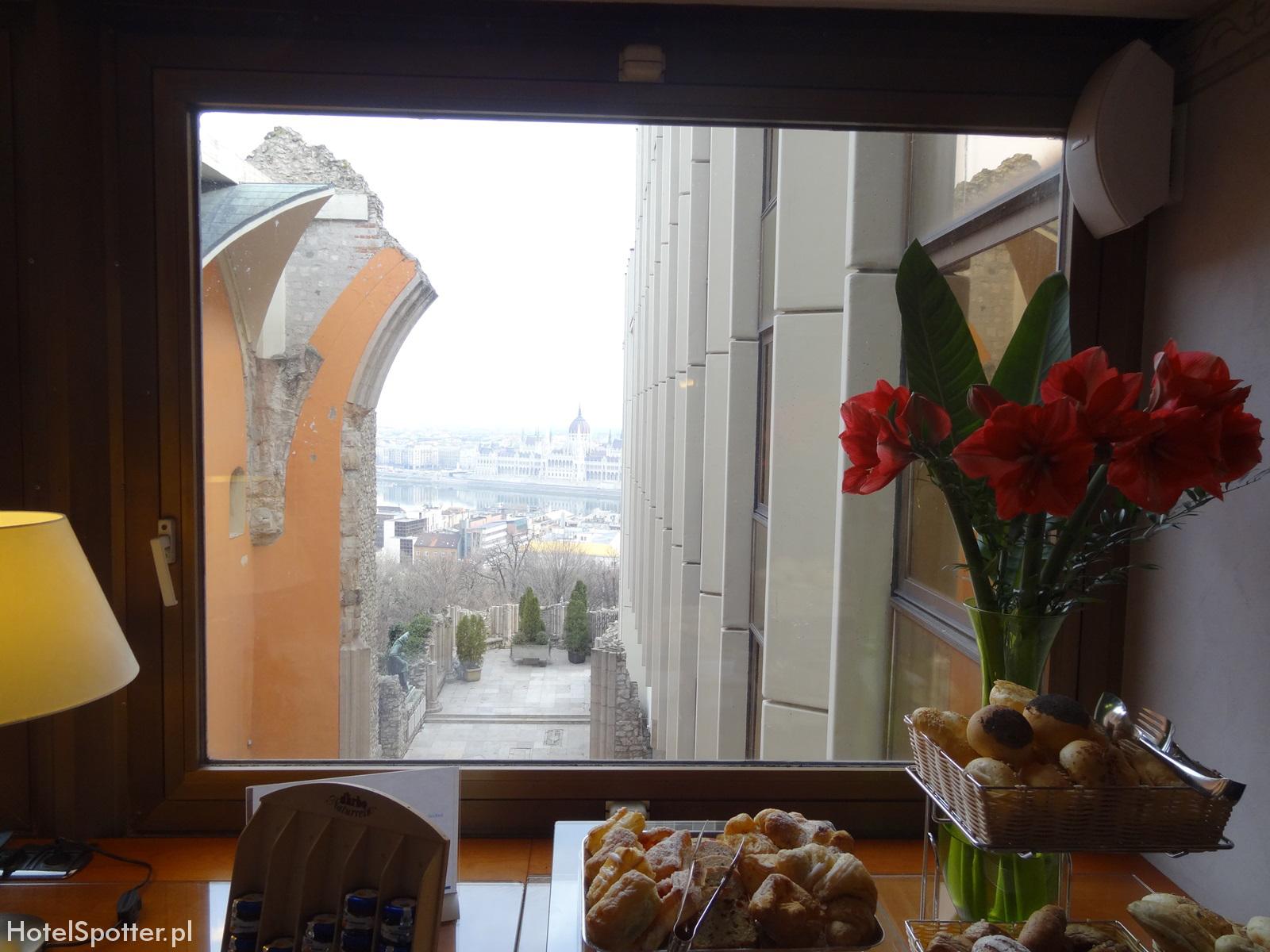 Hilton Budapest hotel recenzja review executive lounge widok