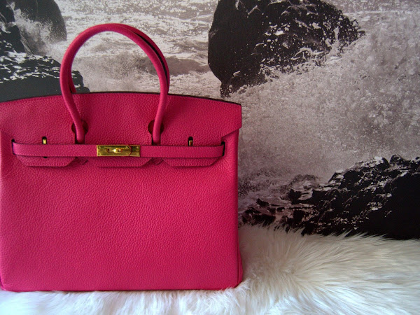 A woman's handbag is her secret source of power: Evaleather.com