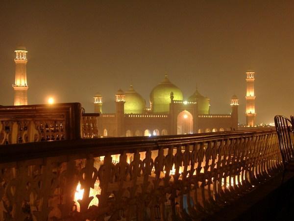 BEAUTY FULL PAKISTAN: Badshahi masjid(badshahi Mosque)