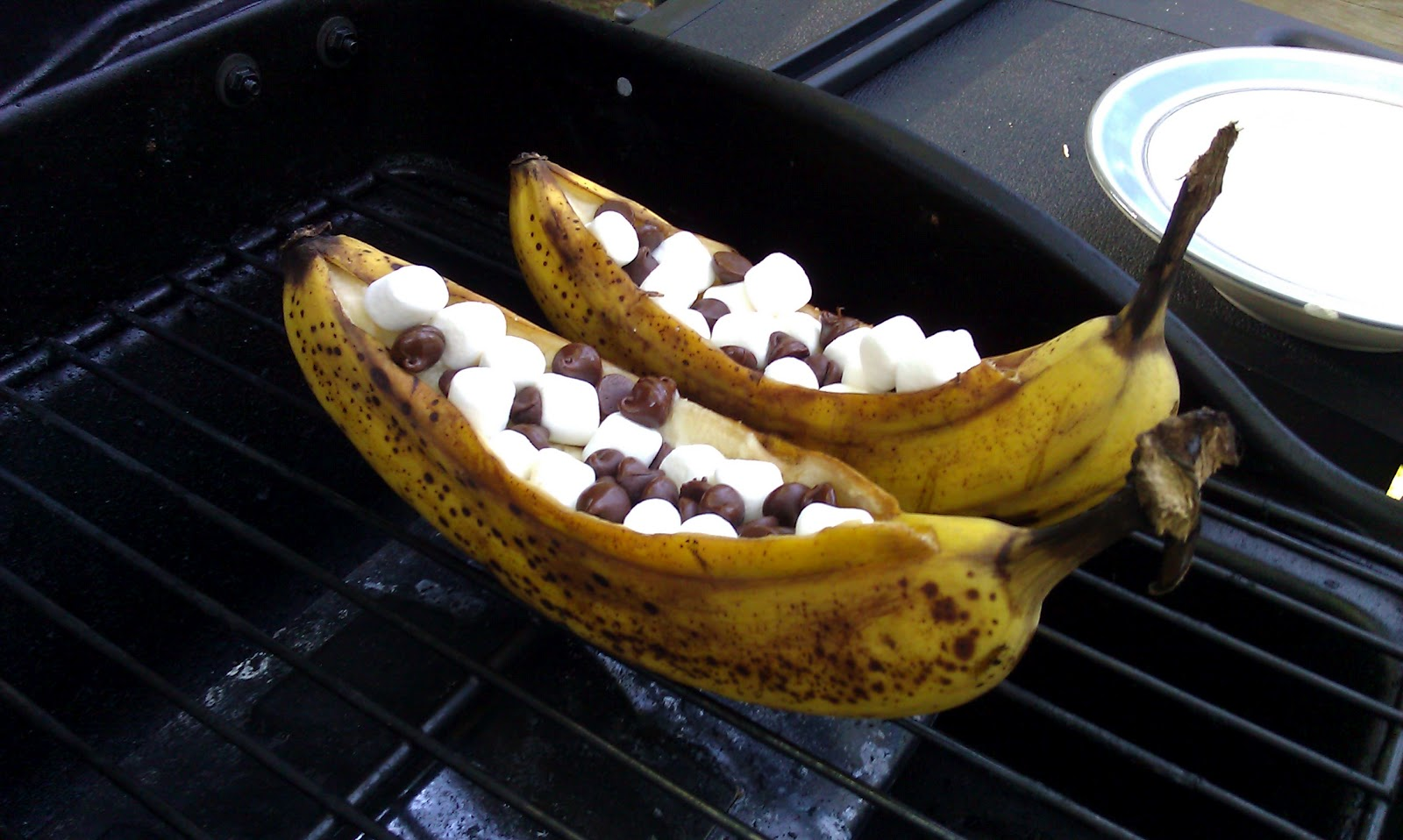 Grilled Banana Boats With Peanut Butter Chocolate And