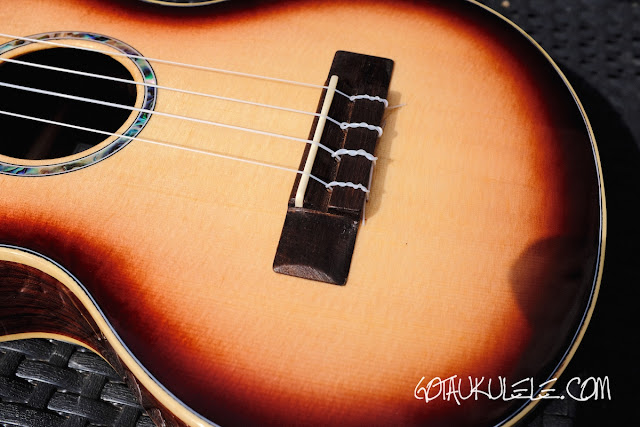 Noah Classic Sunburst Tenor Ukulele bridge