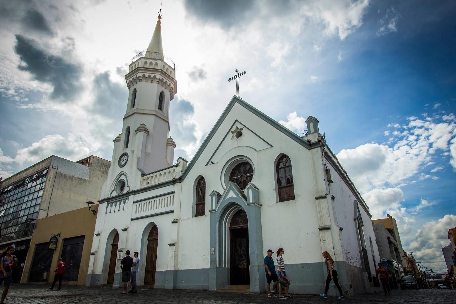 Cinco programas turísticos de devoção e fé em Curitiba