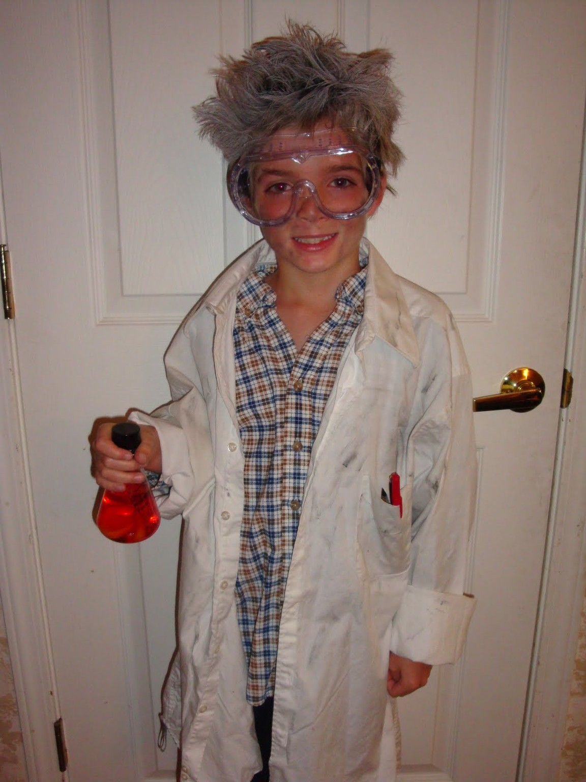 costume crafty: how to make a mad scientist halloween costume