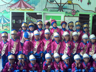 Marching Band TK Muslimat NU 10 Randuagung