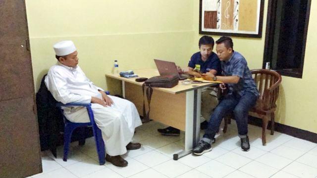 Aneh, Ulama Bawa Al Qur'an dan Tasbih Kok Disangka Makar