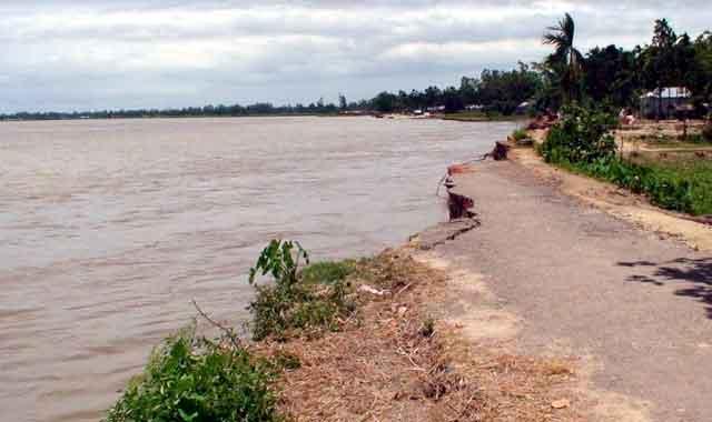 নদী ভাঙ্গনে দিশেহারা রৌমারী ব্রহ্মপুত্র পারের মানুষ