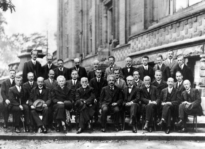 Fifth Solvay International Conference on Electron and Photon