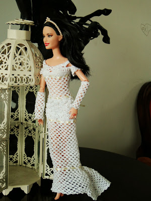 Vestido de Noiva de Crochê Para Barbie - Crochet Wedding Dress For Barbie doll - Criado Por Pecunia Milliom em Maio de 2014