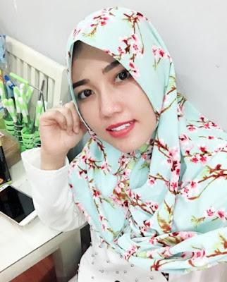 650231 via hijab Foto Via Vallen Terlihat Makin Anggun Saat Berhijab, Awas Naksir!