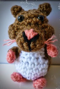http://www.ravelry.com/patterns/library/hamster-3