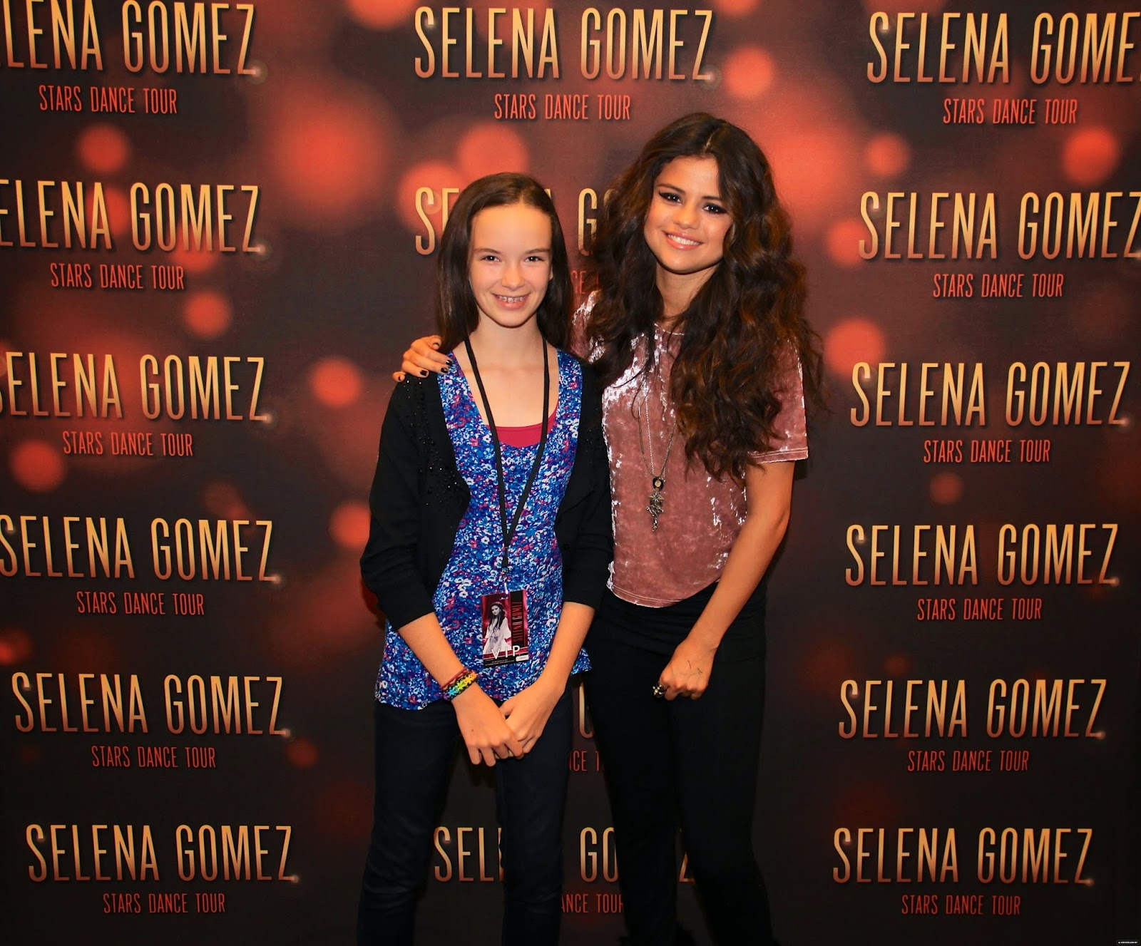 selena gomez meet and greet 2013 stars dance competition