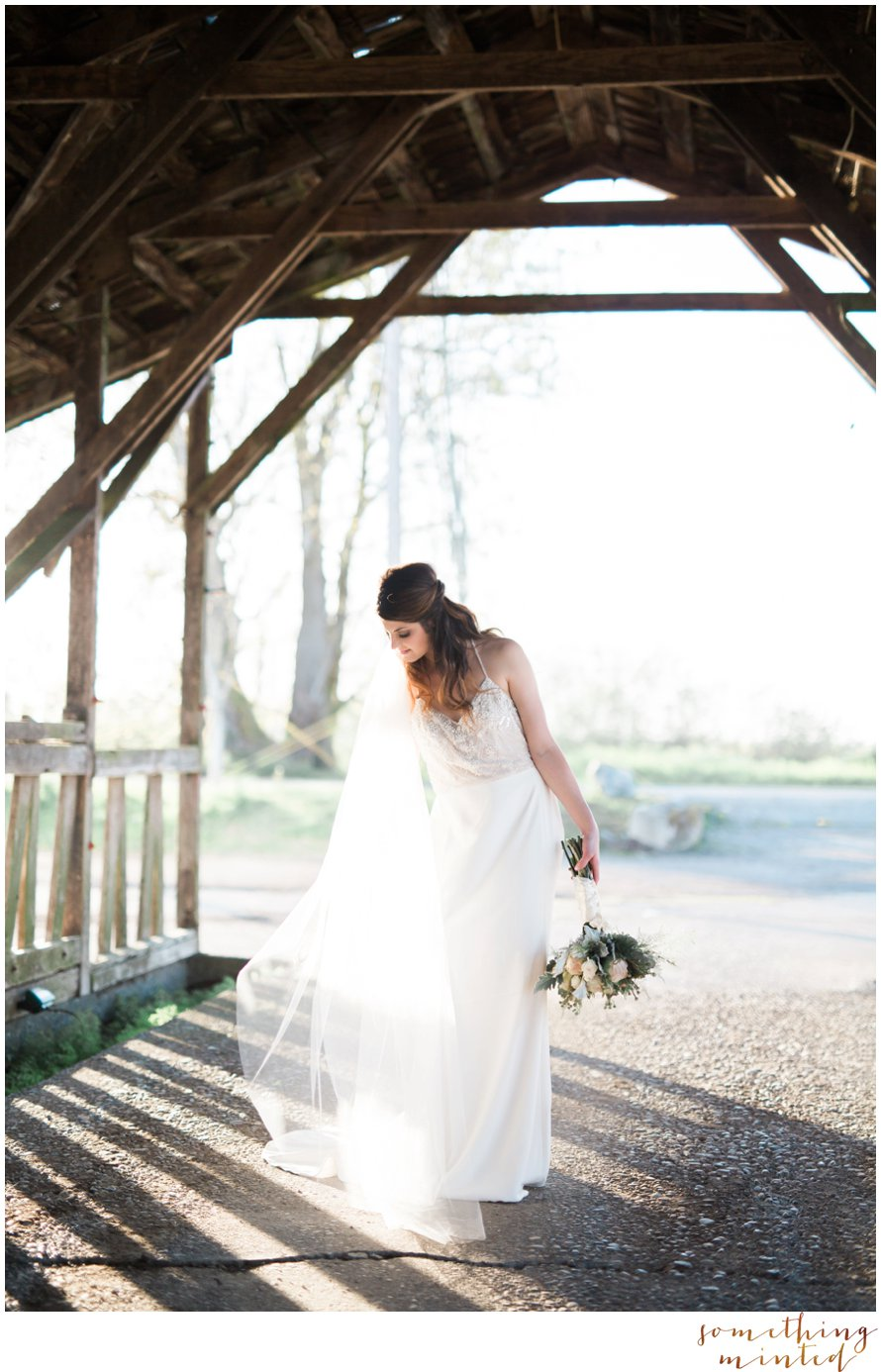 Romantic Photography at Dairyland in Snohomish by Something Minted Photography