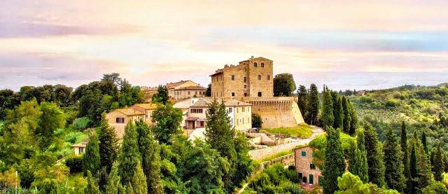 File:Piccolo borgo di Castelfalfi Toscana.jpg