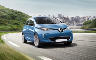 Casi 6 de cada 10 conductores se plantearía comprar un coche híbrido o eléctrico