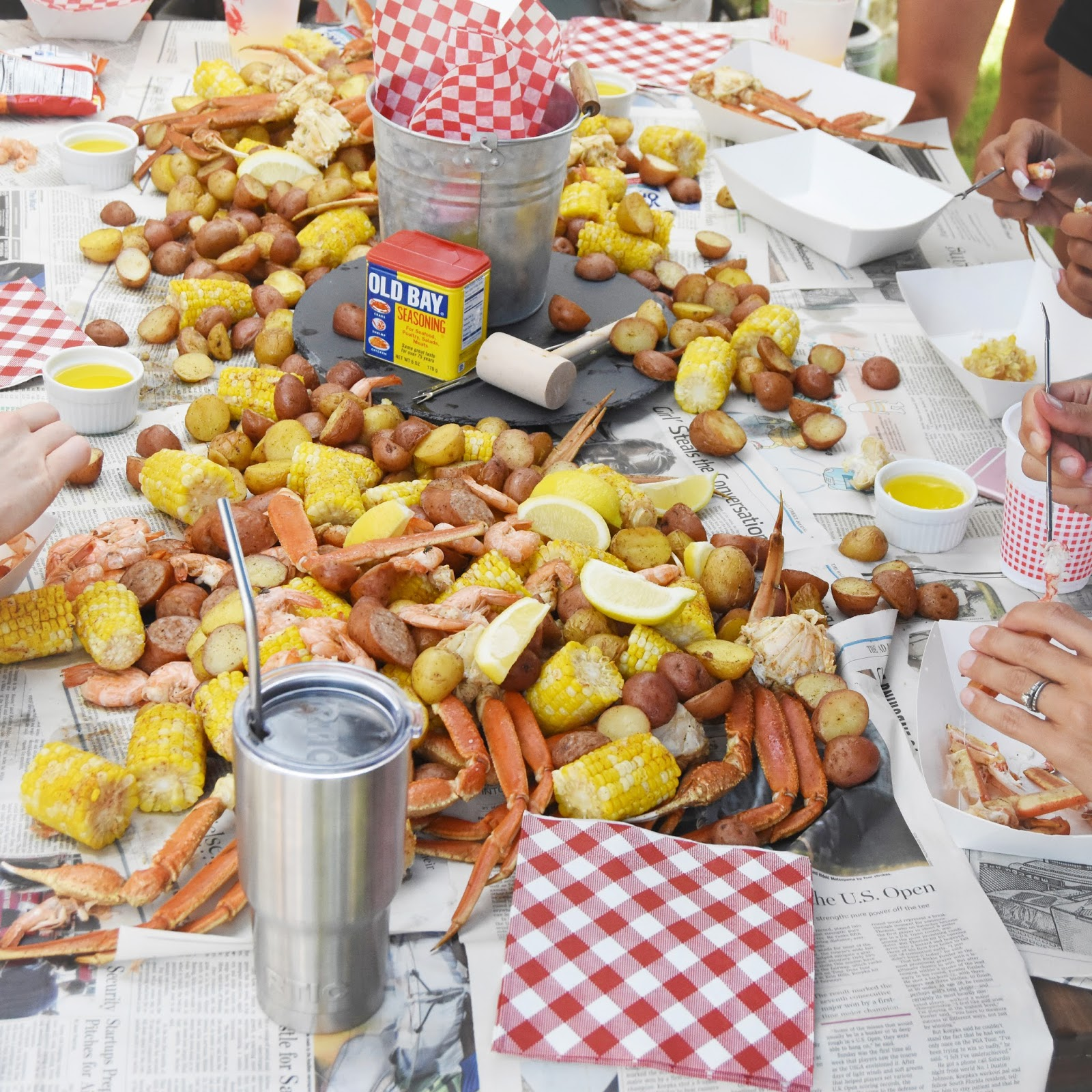 White Paper Food Boats For Corn Dogs