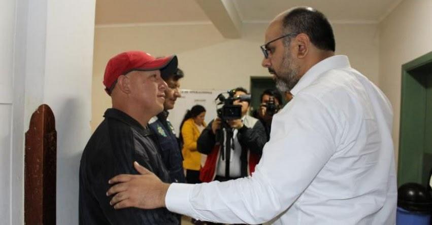 Ministro de Educación, Daniel Alfaro visita por segundo día consecutivo a estudiantes internados en hospital de Chachapoyas