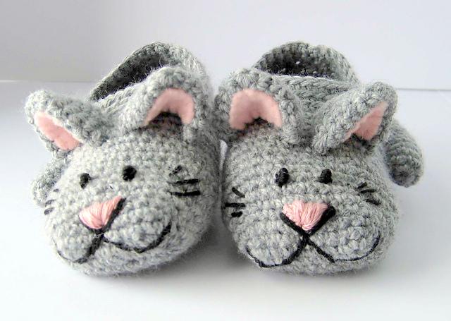 Baby kitty slippers Crochet pattern