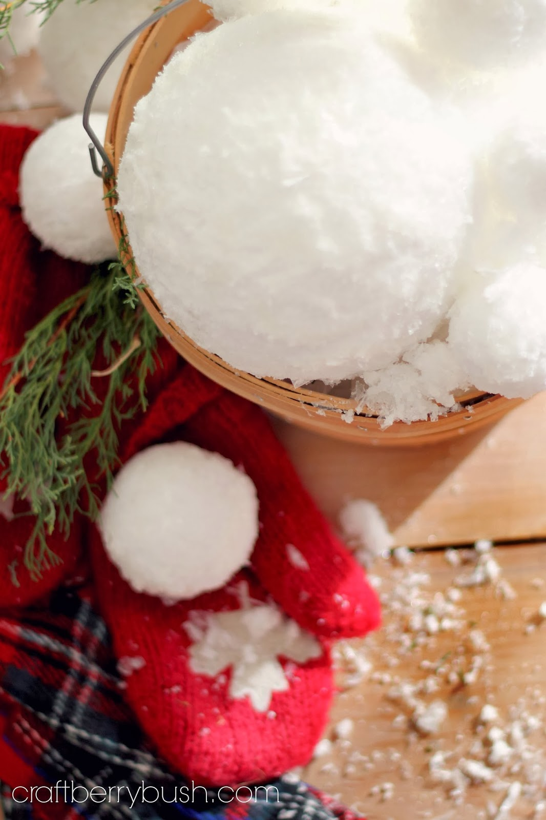 Use Faux Snow In A Craft