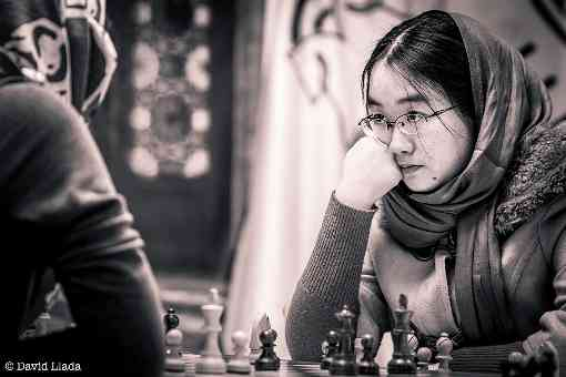 Tan Zhongyi (2502) outsider de la compétition d'échecs - Photo © David Llada