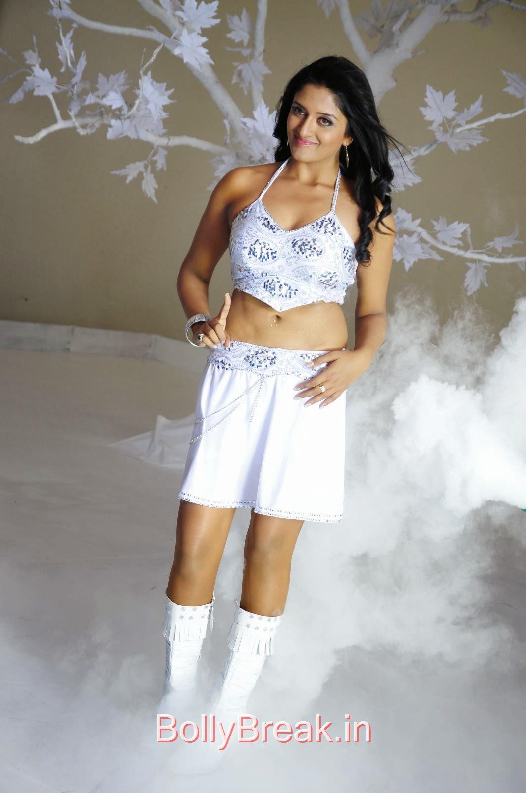 , Vimala Raman Hot HD Images In White Dress
