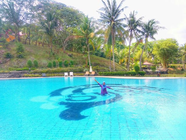 Pool Side Sijori Resort & Spa