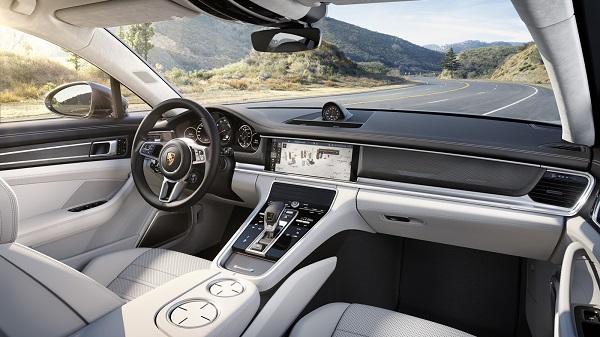 interior Porsche Panamera 2017