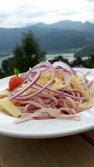 Bayern entdecken: Wurstsalat auf der Schliersbergalm