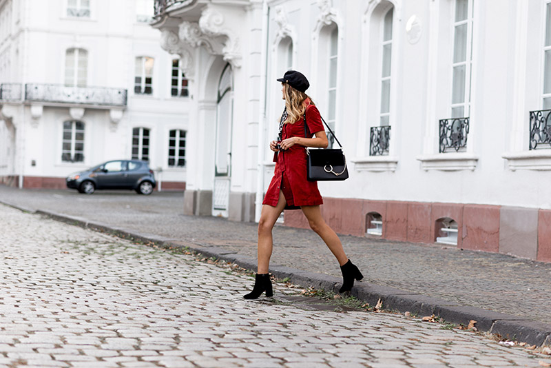 fashionardenter-parisian-fall-look-2018-style-button-down-dress-morgan-inspo-french-girl-outfit