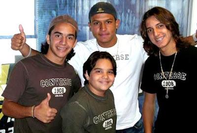 Foto de Angel Laez con el grupo Salserín