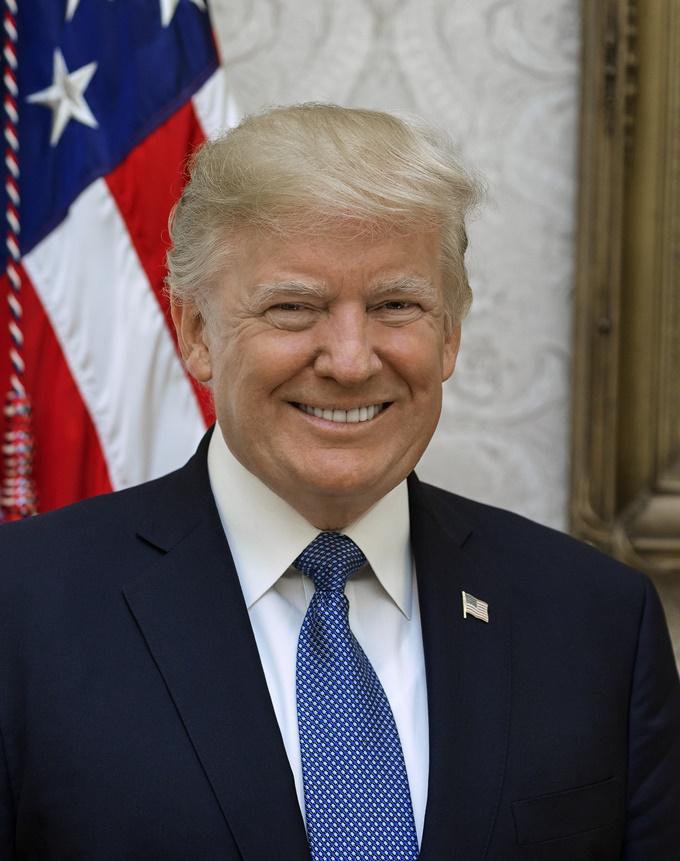 이미지에 대체텍스트 속성이 없습니다; 파일명은 Donald_Trump_official_portrait.jpg 입니다.