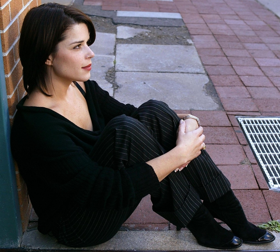 Neve Campbell Hd Wallpapers High Definition Free