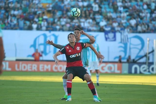 """Luan configura lista dos 10 maiores ladrões de bola do Brasileirão e afirma: """"Não me vejo jogando em outra parte do campo"""""""