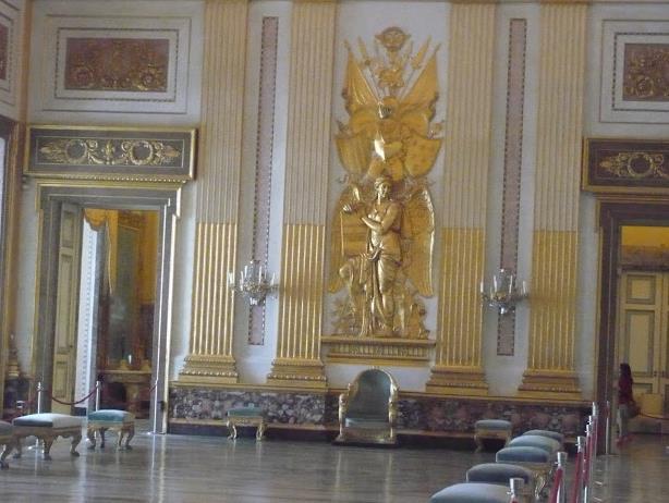 sala del trono nella Reggia di Caserta