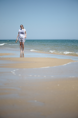 http://seaofteal.blogspot.de/2016/05/stripes-at-beach-burda-style-6897.html