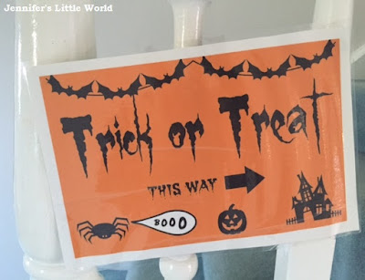 Printed Trick or Treat sign