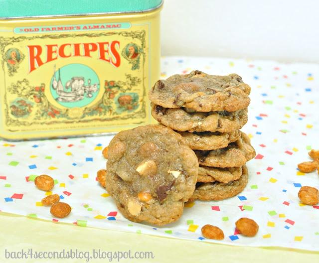 Comfort Cookies #chocolatechip #cookies #cinnamon #whitechocolate #peanuts