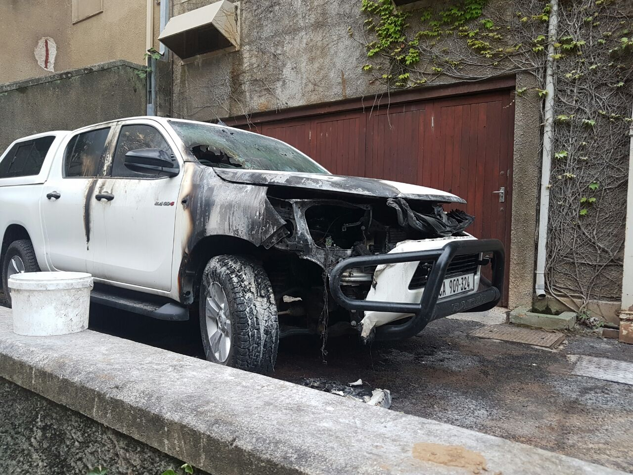 new bakkie burnt during fees must fall protests