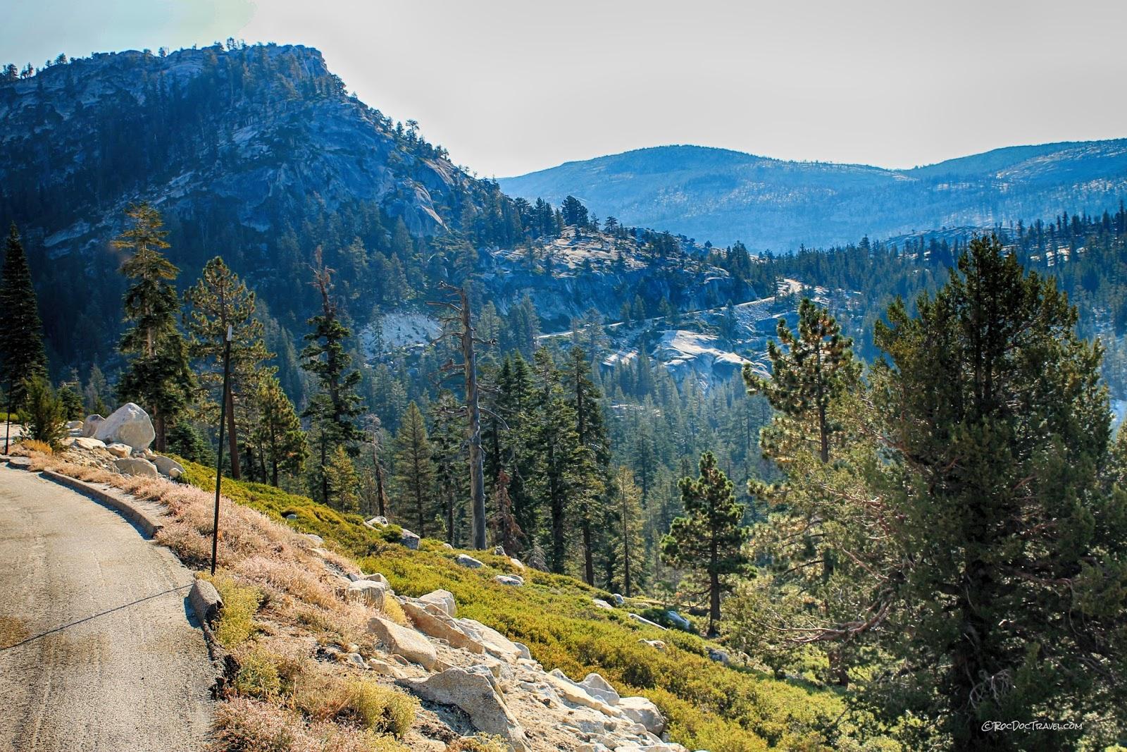 Yosemite National Park Tioga Pass geology travel field trip copyright rocdoctravel.com