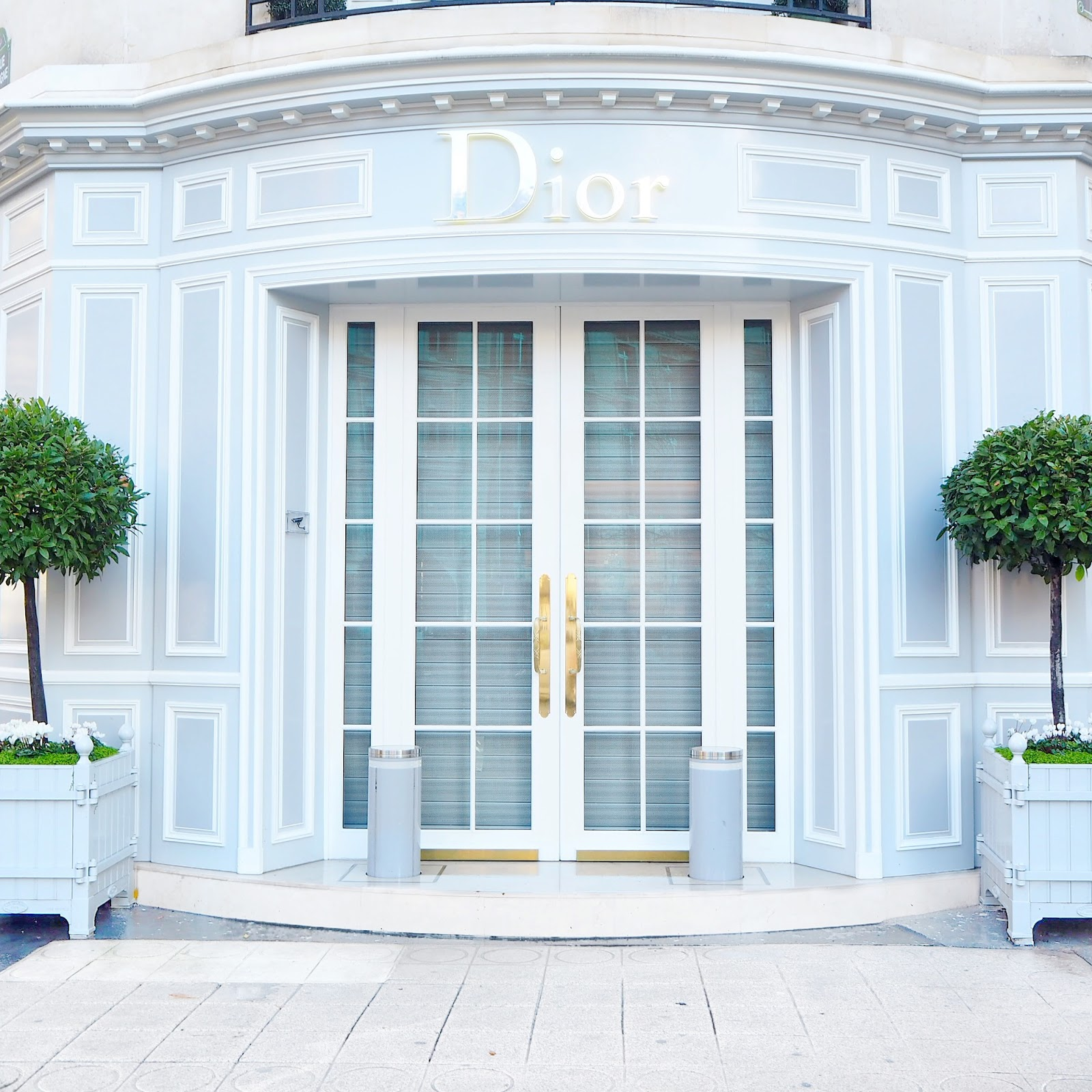Baby Blue Dior Boutique in Paris | Love, Catherine