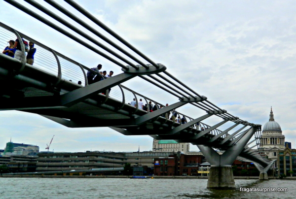 Millenium Bridge e a Catedral de Saint Paul - Londres