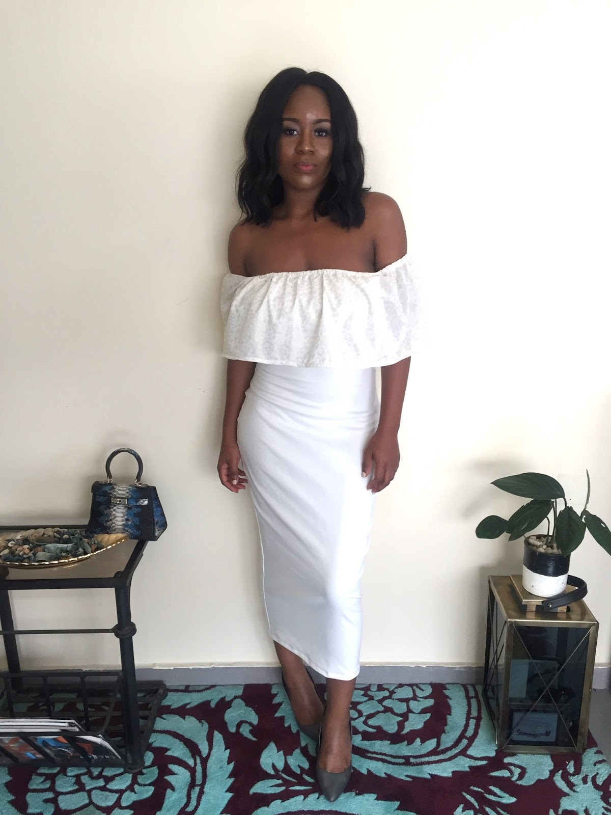 A simple, fitted midi white dress with Leopard detail. Fashion for church, weddings, birthdays, events, occasions, styling a white dress. The5kShop, fashion and style blogger, Nigerian fashion blogger and youtuber, vlogger, off shoulder dress.