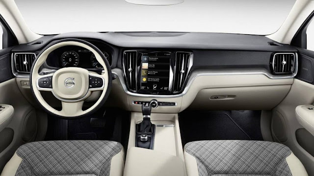Volvo XC90 new interior view