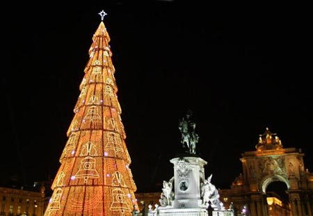 1001Archives: Famous Christmas Trees Around the World
