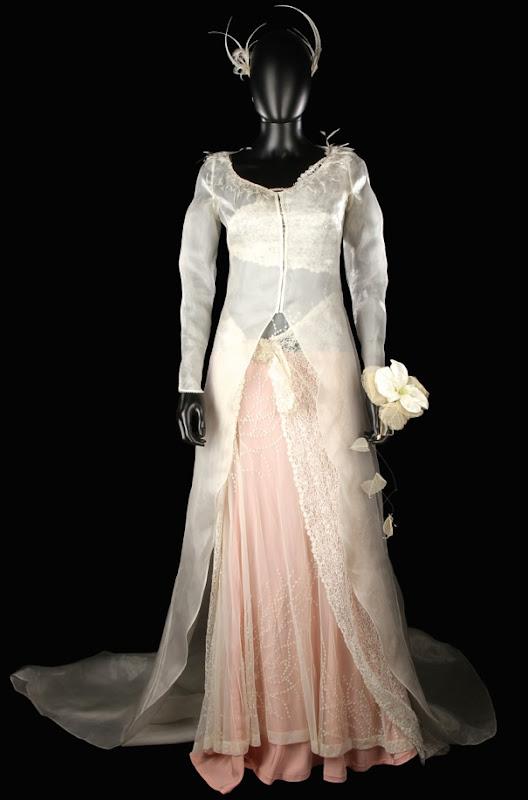 Keira Knightley Love Actually wedding dress