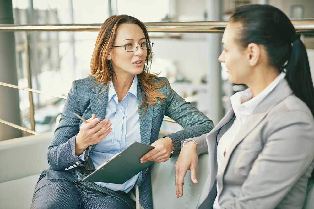 keterampilan skills kriteria syarat public relations officer praktisi humas hubungan masyarakat deskripsi pekerjaan lowongan profesional tips cara menjadi lulusan marcomm marketing communication peluang