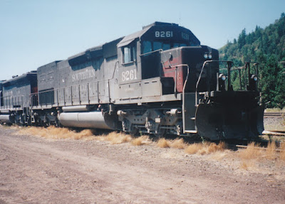 Southern Pacific SD40T-2 #8261 in Oakridge, Oregon, on July 18, 1997