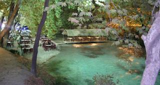 Το μικρό ελληνικό χωριουδάκι δίπλα στο ποτάμι με εικόνες που σου φτιάχνουν τη μέρα…