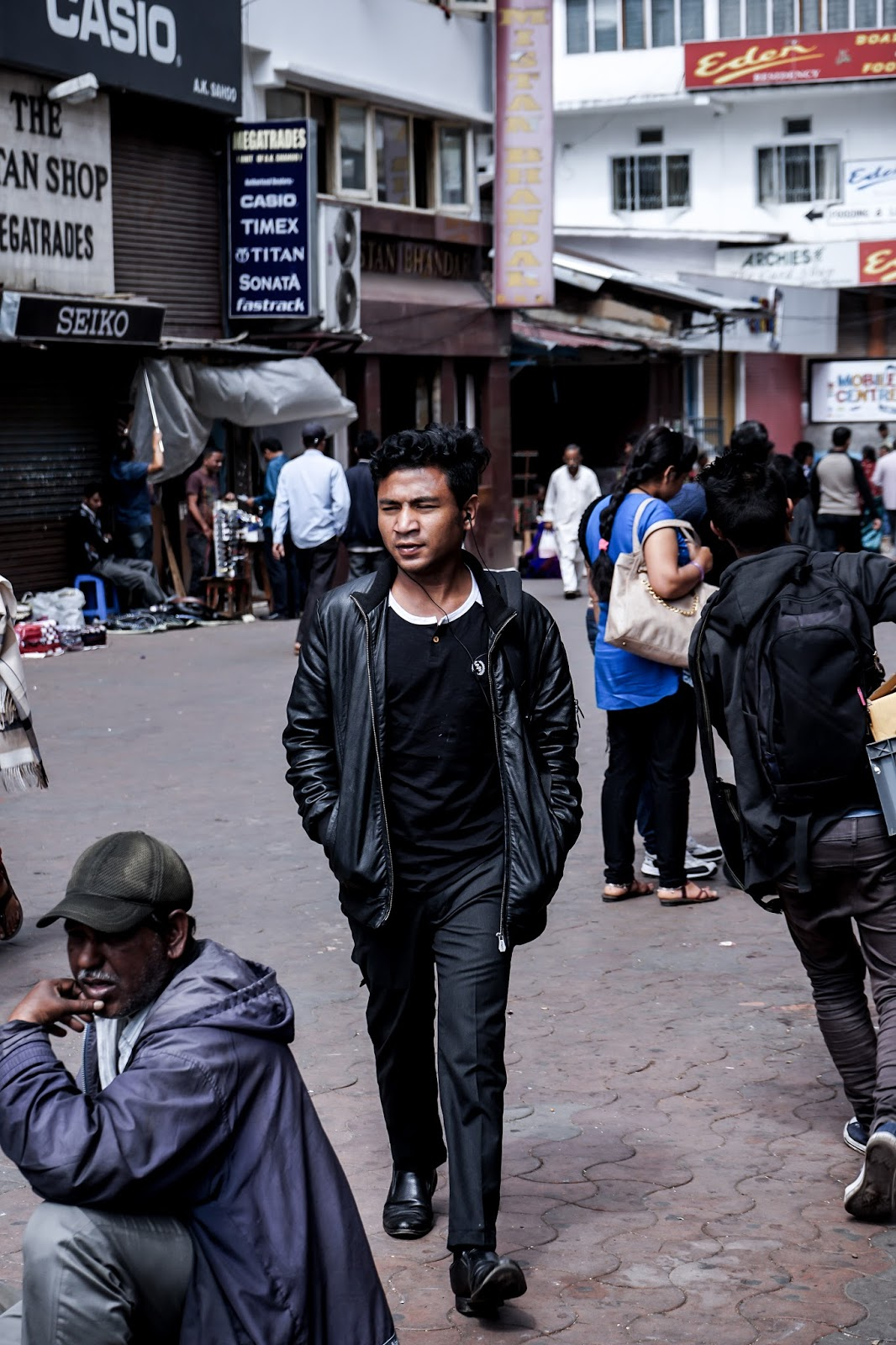 TheQuirkyminimal by Kangkan Rabha Menswear style & lifestyle blog, Street style, Shillong, Police bazar, northest, NE people, northest . india, kangkan rabha, kangkan rabha photography