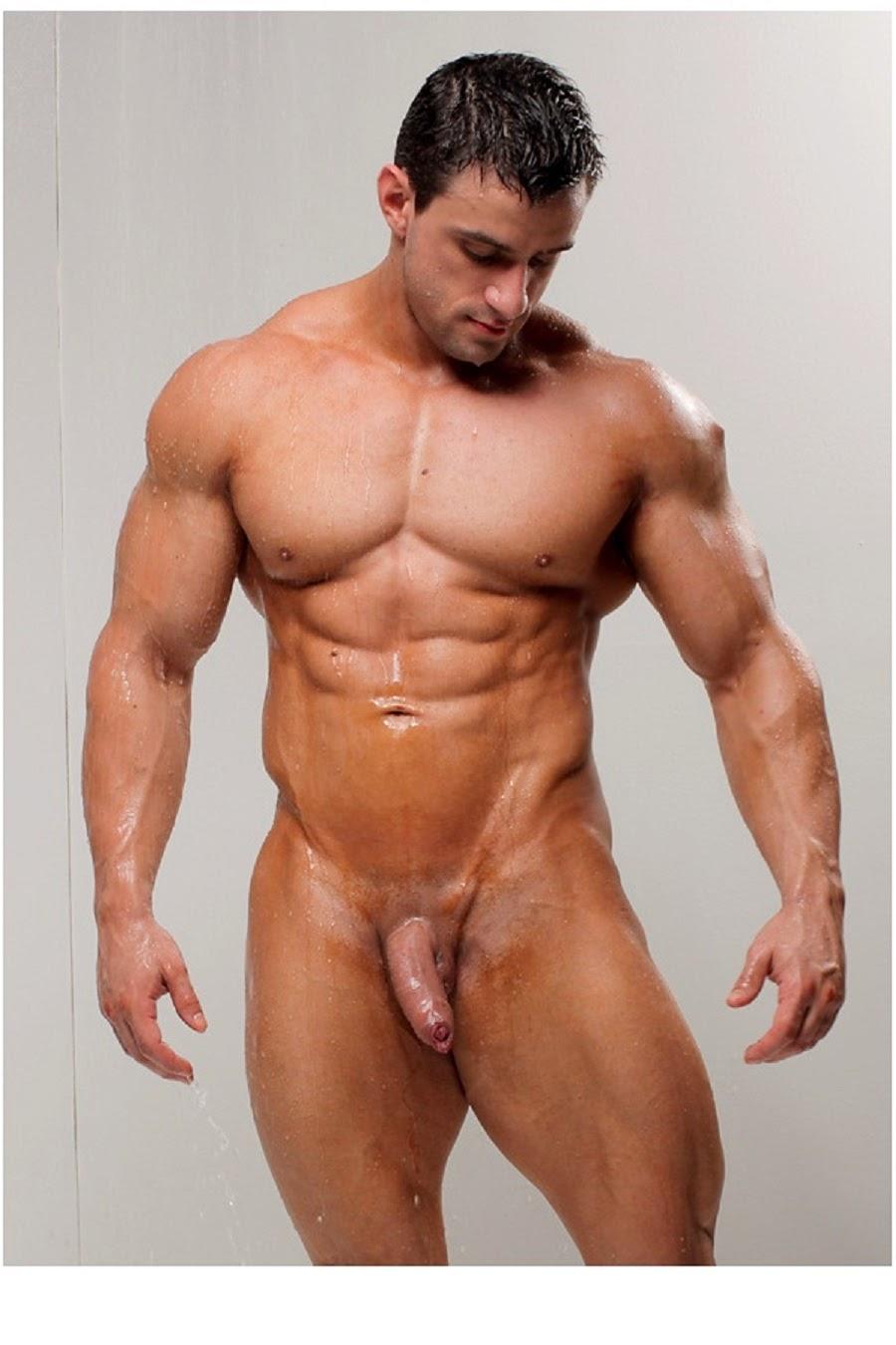 Накаченный голый парень